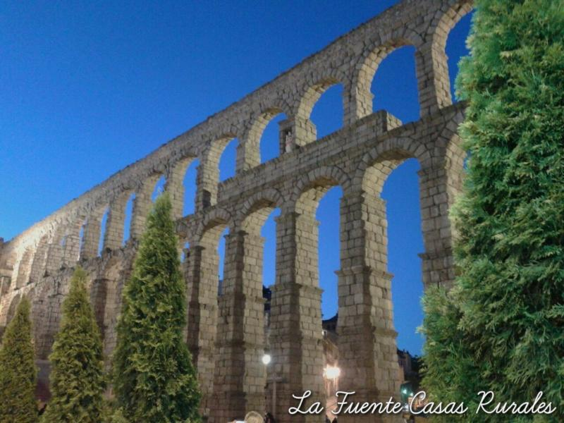 AQUEDUCT OF SEGOVIA 27 KM OF HORSE