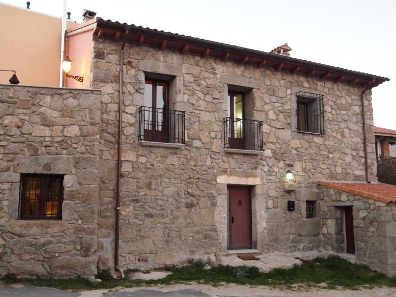 Casa Rural LUZ DE GREDOS, holiday rental in Navacepeda de Tormes