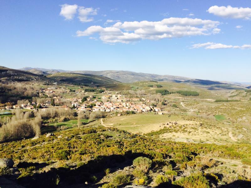 Vista panorámica del pueblo. Desde monte a 20 min. a pié.