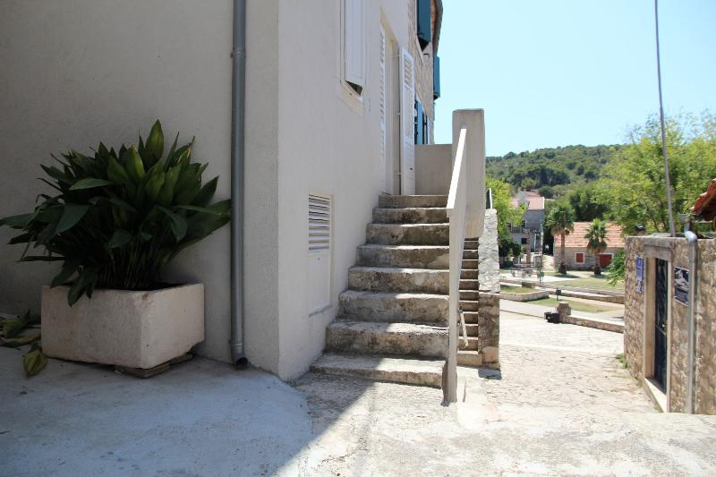 Holiday house in historic centre - Hamulovica, holiday rental in Zlarin Island