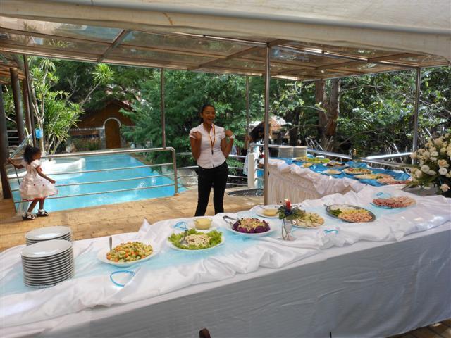 4 p Bungalow KORNBLUME at Villa V - kitchen wifi, alquiler de vacaciones en Antananarivo