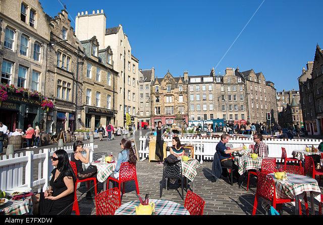 O Grassmarket da cidade velha de Edimburgo