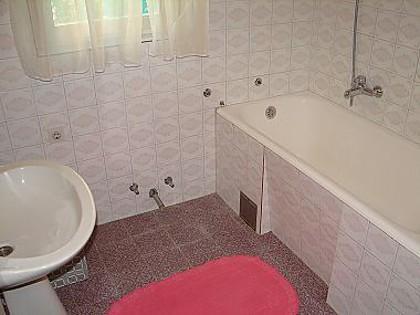 A1 prizemlje (4 + 1): banheiro com vaso sanitário