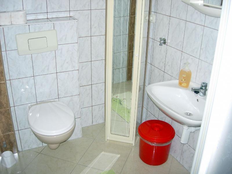A2 (4 + 1): Bad mit WC