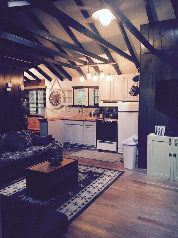 Beautiful Catskills Cabin Has Internet Access And Patio