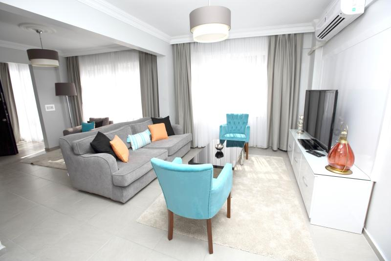 ★PATIKA SUITES ★ Large Luxury 1 Bedroom Apartment, holiday rental in Istanbul