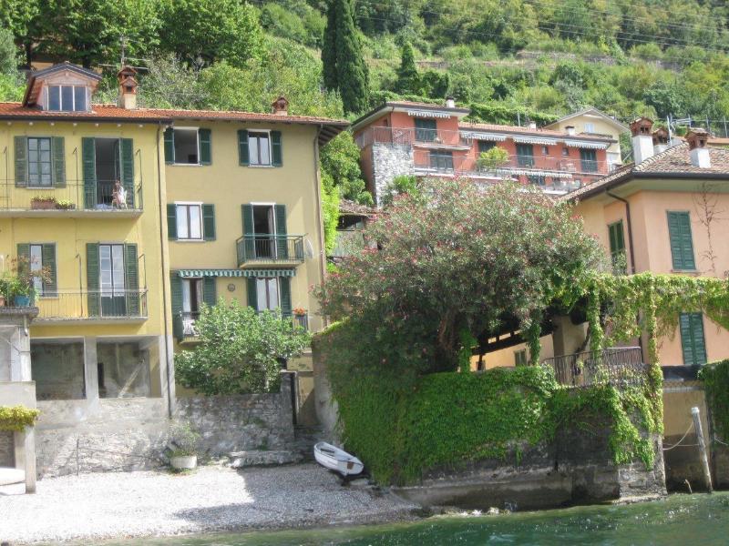 Casa in riva al lago, alquiler de vacaciones en Varenna