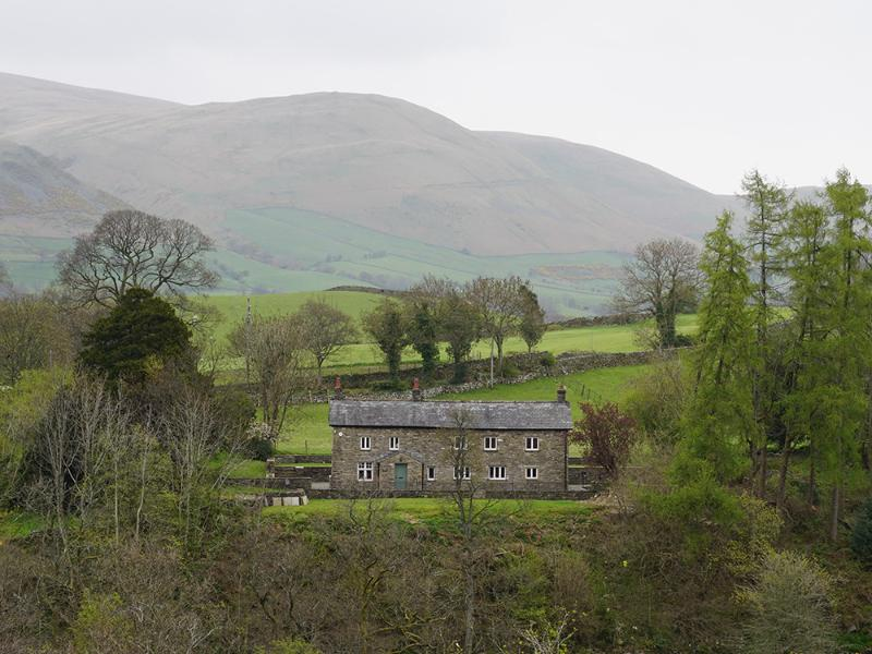 East Catholes Farmhouse, holiday rental in Yorkshire Dales National Park