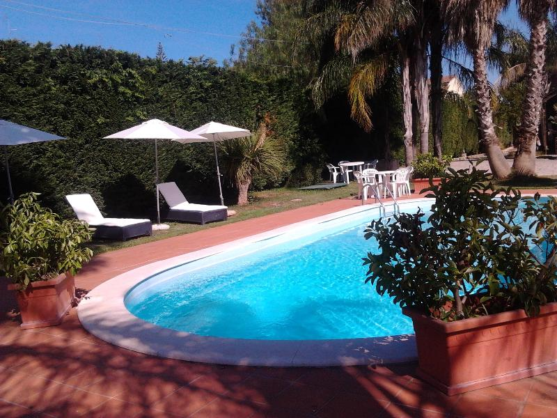 piscina e relax nel verde