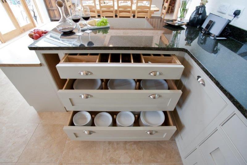 La cocina está totalmente equipada para todas sus necesidades.