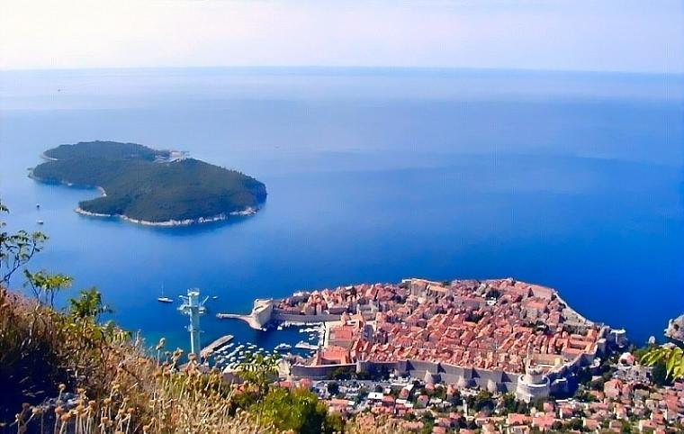 Picture of the historic center of Dubrovnik from the srdj mountain.