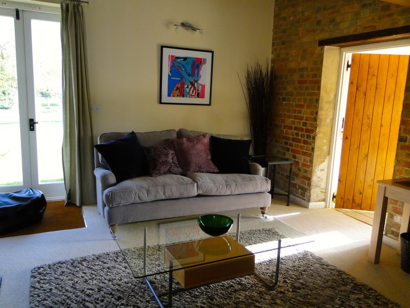 Dairy House sitting room, comfy sofas