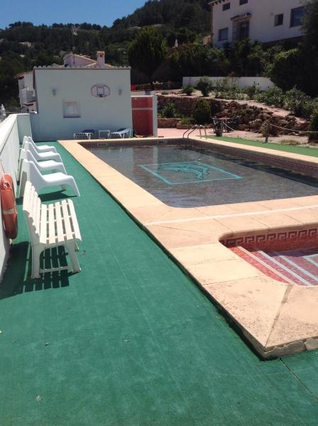 16x8 pool, large pool and small. No deep end, designed for ball games.
