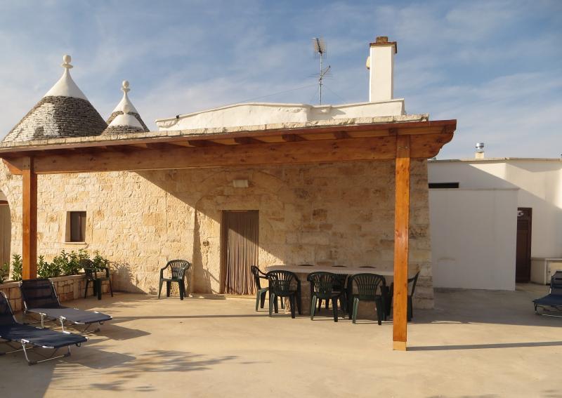 Trulli Relax Lumieri - Trullo grande, vacation rental in Alberobello