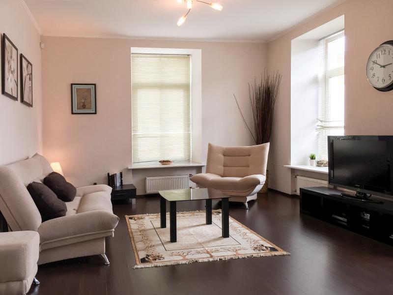 Elegant large living room