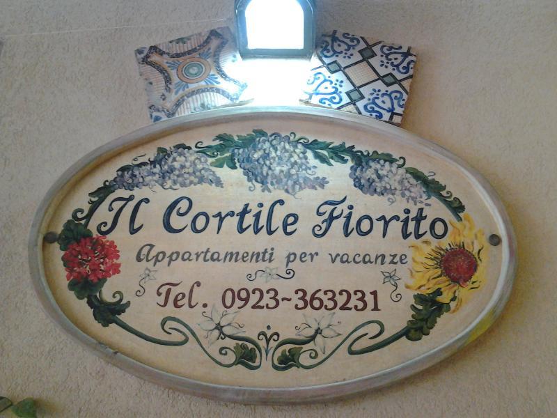 il cortile fiorito srl, holiday rental in Trapani