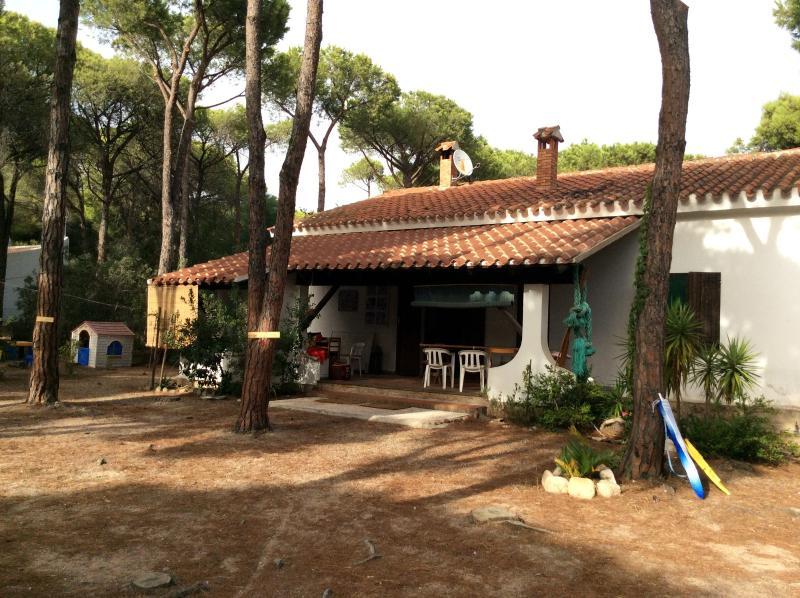 Sardegna del sud Villa a 150m dal mare  a S. Margherita di Pula, vacation rental in Santa Margherita di Pula