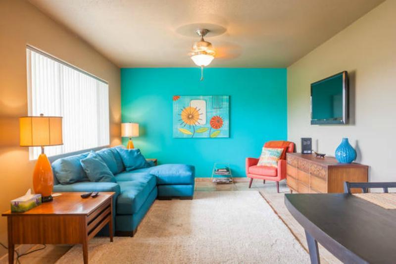 Super schattig woonkamer met nieuw meubilair