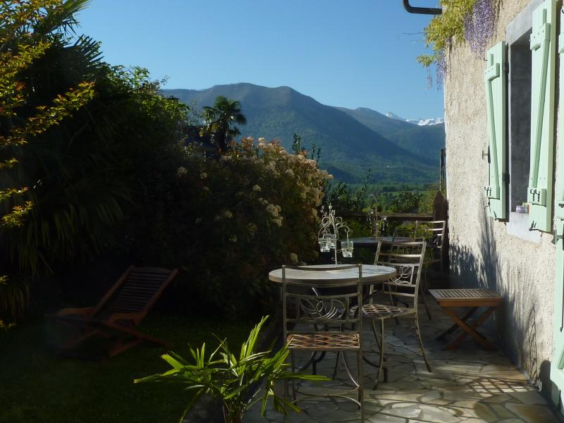 Le Balcon de l'Ossau, B&B en vallée d'Ossau, casa vacanza a Herrere
