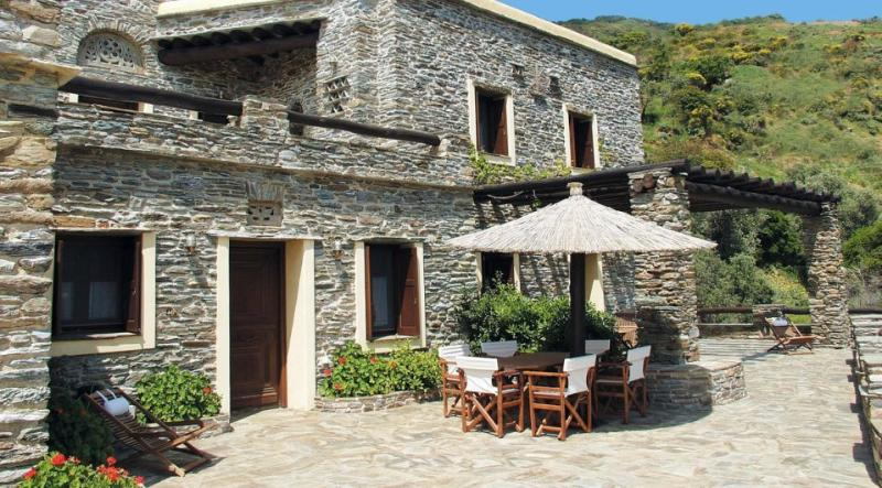 Holiday House in Andros, holiday rental in Gavrio