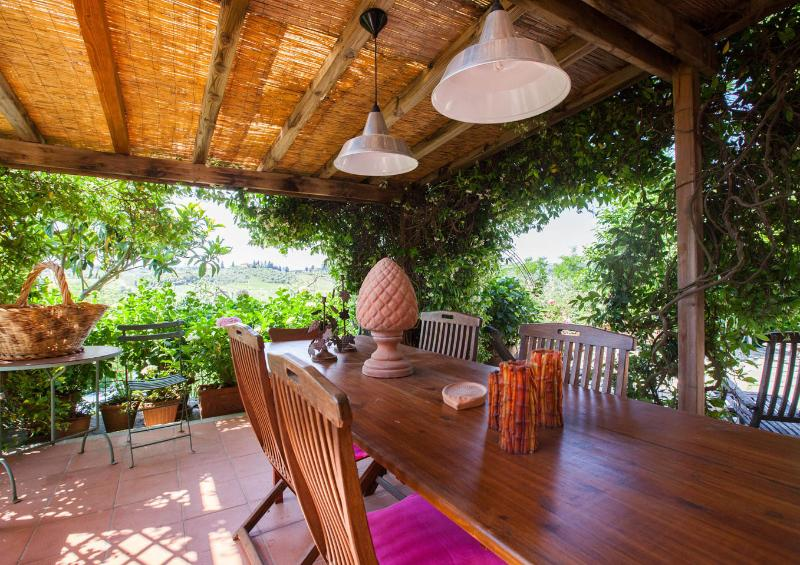 EATING AREA ON PATIO
