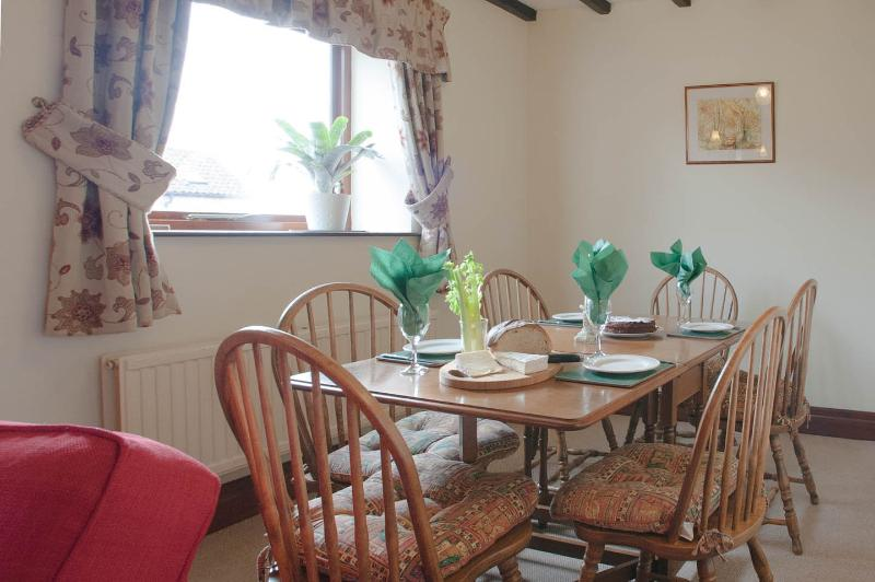 Barn Cottage dining area suitable for 6 persons