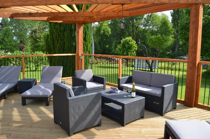 Sunloungers and comfortable seating with external wifi