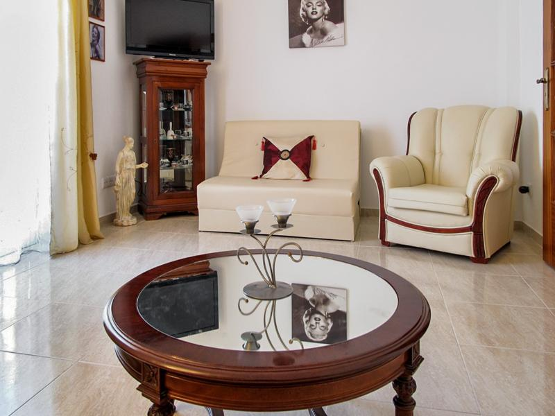 Nice apartment near the beach, holiday rental in Pechao