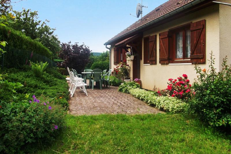 Big house with terrace & Wifi, holiday rental in Bruyeres