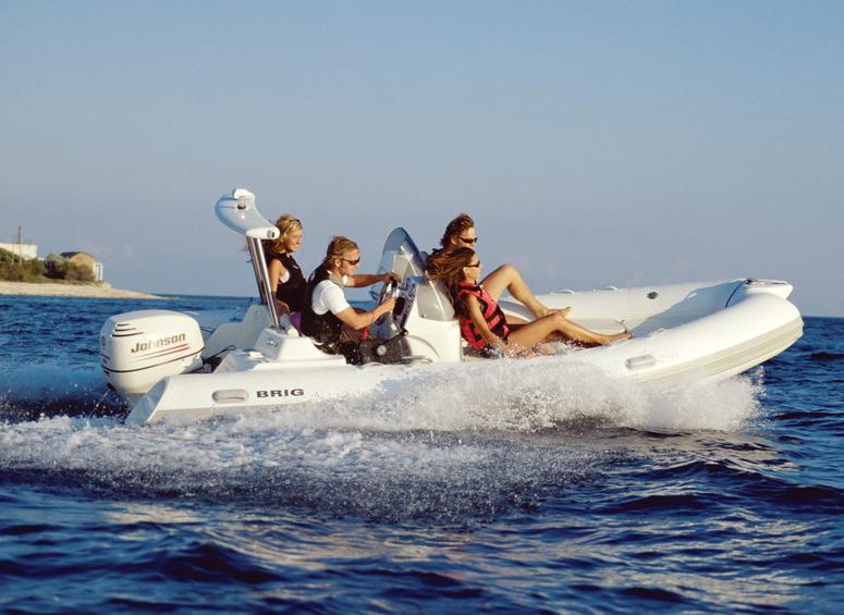 Rigid inflatable boat to rent