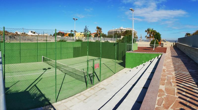 Private Paddle court