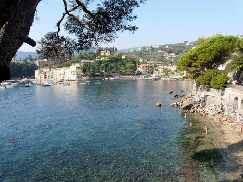 Penthaouse 90m2 + Terrace 70m2 - sea view near sea, holiday rental in Rapallo