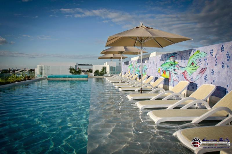 This is the incredible pool at the roof top, incredibles views from Playa del Carmen