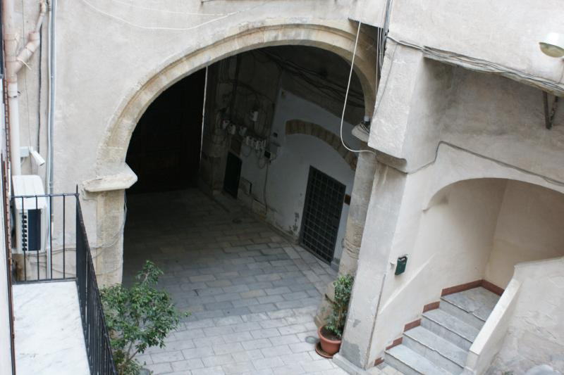 Vista balcone camera da letto red apartment