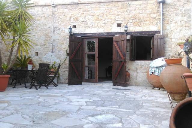 Traditionan Independant House, holiday rental in Amargeti