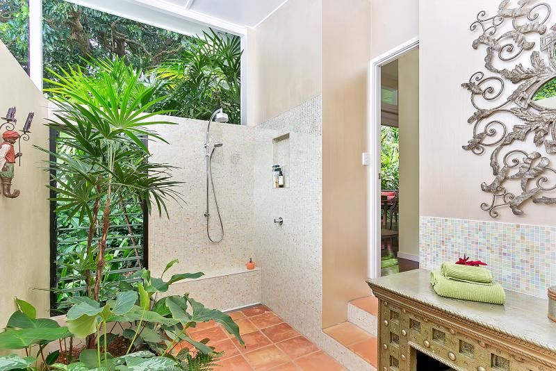 Private ensuite attached to studio room