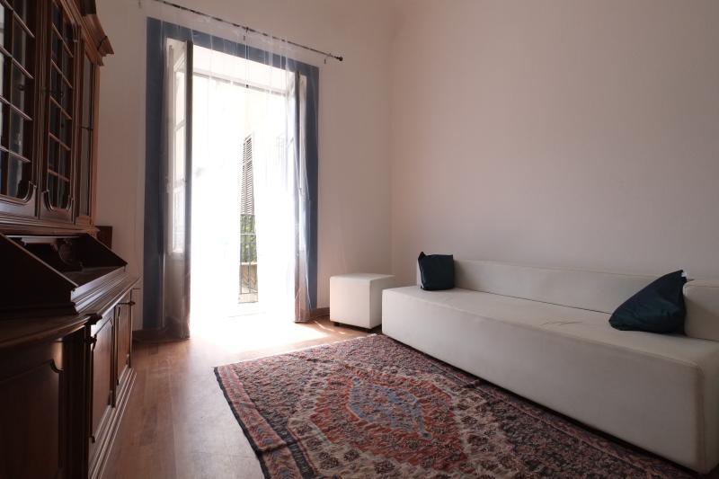 Particolare sofà camera 3