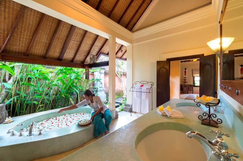 Master Suite Bathroom at Villa Frangipani