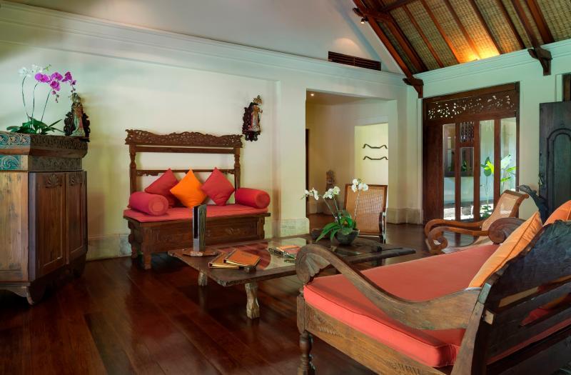 Villa Frangipani Indoor Living Room, looking to Entrance Ponds