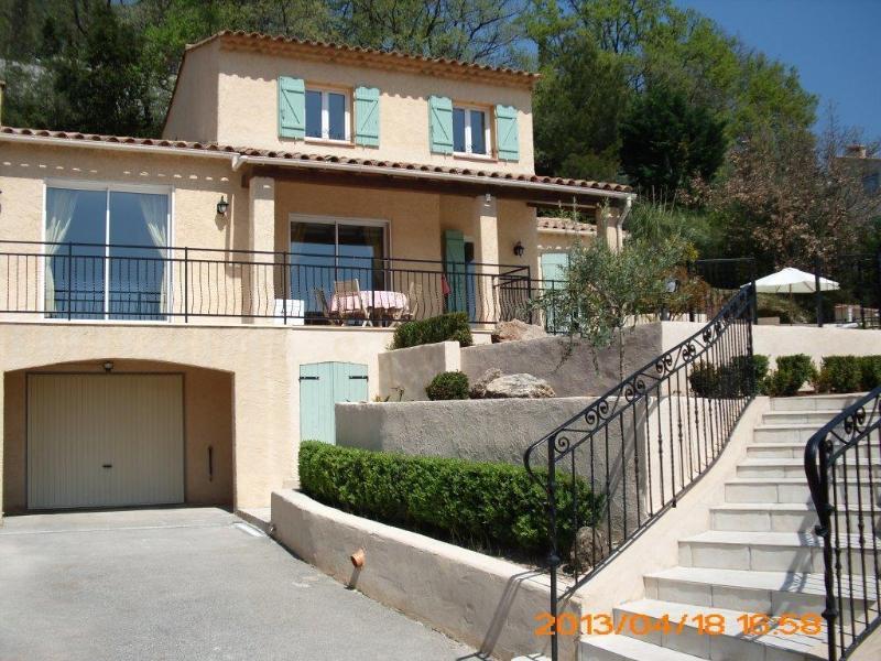 Frankrijk-Provence nabij Côte Azur. Vakantievilla met Reversibele Airco(6pers), holiday rental in Bagnols-en-Foret