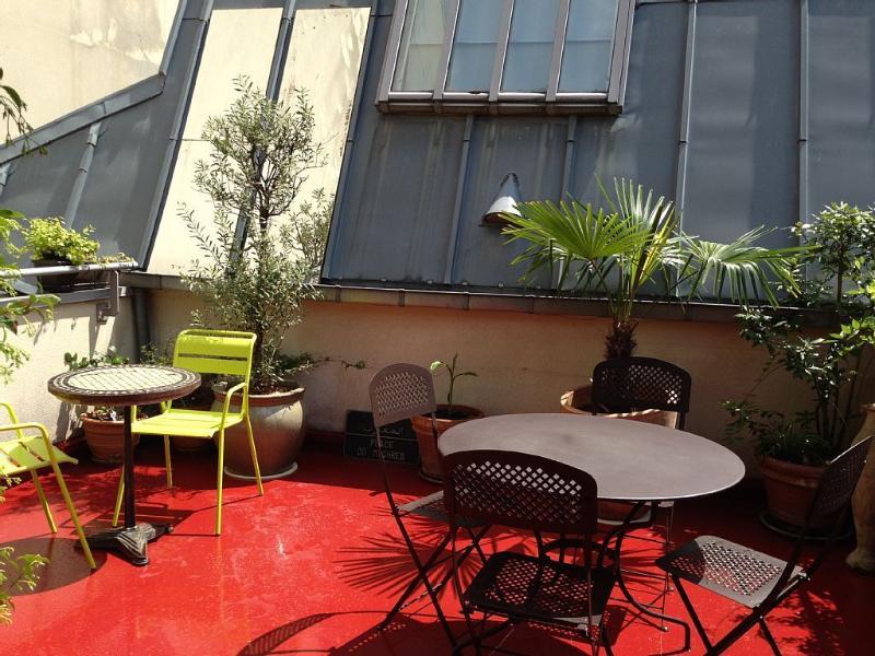 Terrasse au 2ième étage ( expo sud)