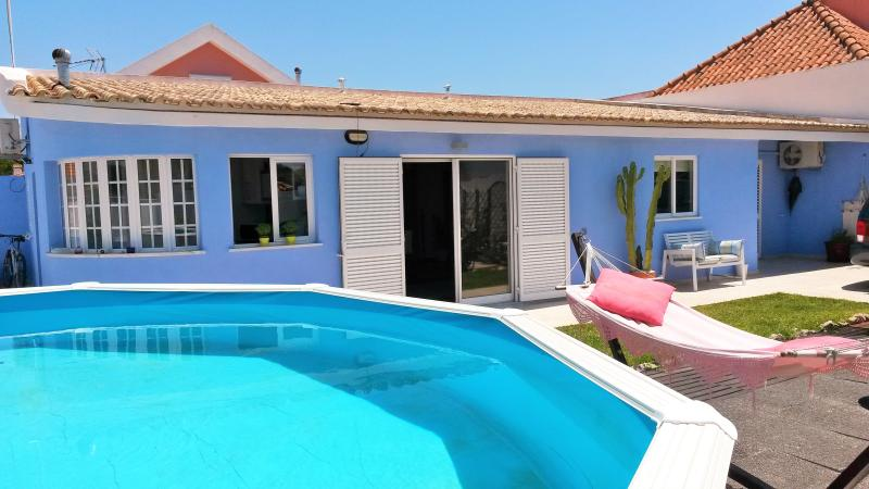 QUIET FAMILY VILLA 5 MIN FROM THE BEACH, holiday rental in Setubal District