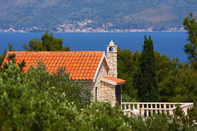 Seaside holiday home on the Island of Brac with beautiful sea view (Sleeps 6, 4 Stars, Two Floors,)
