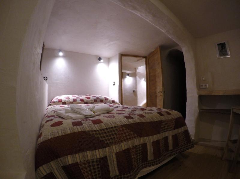 Leaf - King/family room, sleeps 1-4