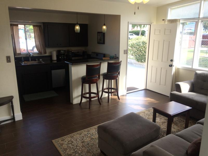 2bd/1ba Beach cottage walk to beaches and shops, vacation rental in San Onofre
