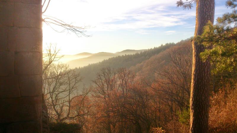 Vue sur la vallée, depuis le même château, en décembre
