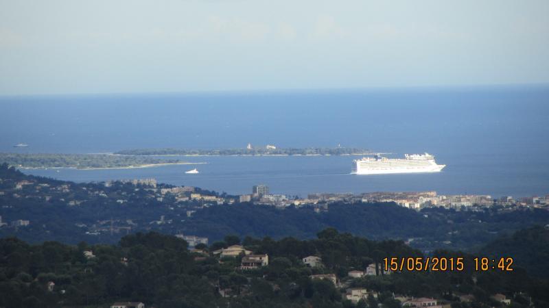 Vue féerique sur la baie de Cannes