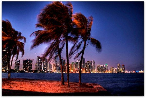 Over 10 million people visit Miami Beach on yearly basis!!! It´s considered on of the top ten cities