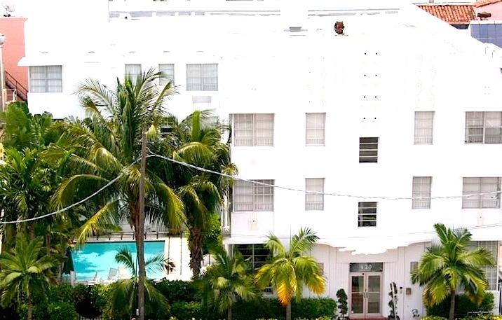 Fully Renovated Art Deco Building. In The HEART of South Beach. 2 Blocks 2 Beach