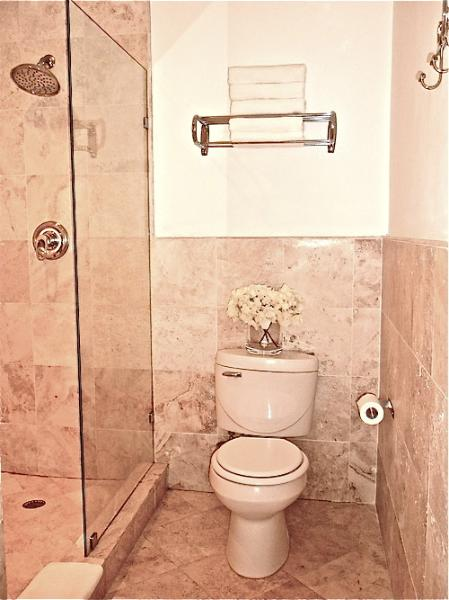 Newly Renovated-Modern, Travertine Marble Large Bathroom. White Towels Provided.